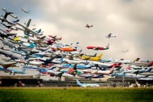 Striking-Multiple-Exposure-Shot-of-Takeoffs-at-Hannover-Airport-232